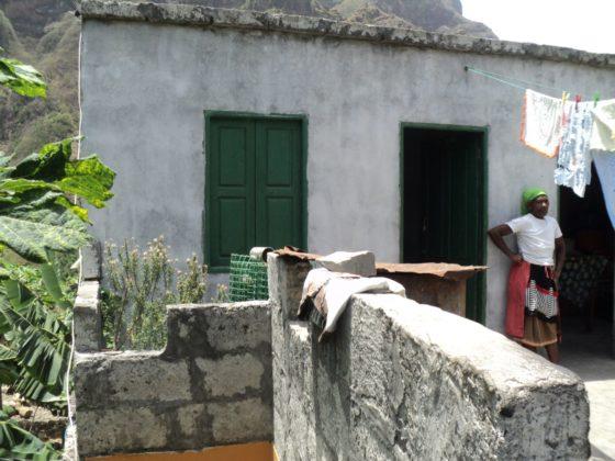 A casa de Cristina María Cándida xa está rehabilitada grazas á colaboración coa Cámara do Paul.