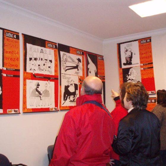 A exposición 'A Paz Cuestión de Fondo' volve á vila coruñesa de Lousame.