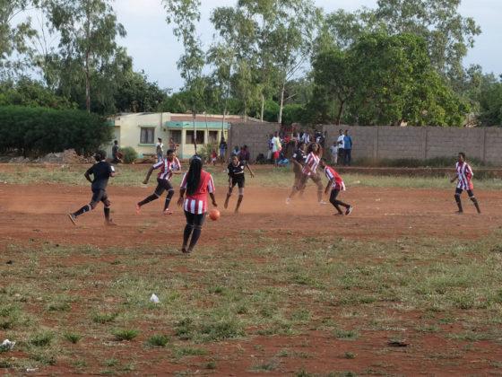 O fúltbol é unha das alternativas que se ofrecerá á xente nova.