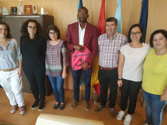 O alcalde de Burela e o equipo do departamento económico recibiron ao técnico mozambicano.