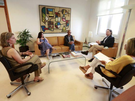 O director xeral de Relacións Exteriores e coa UE recibiu a representantes do Fondo Galego.