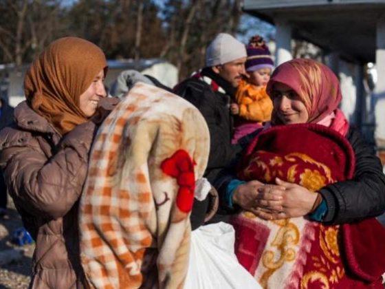 A achega permitiu dotar os centros con roupa de abrigo.