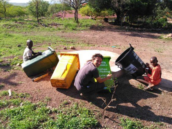 Organizar a separación dos residuos foi unha das tarefas de Jesús Bravo en Cabo Verde.